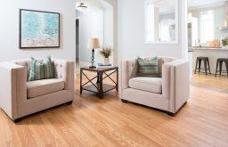 Hỏi nên chọn sàn gỗ hay sàn gạch?