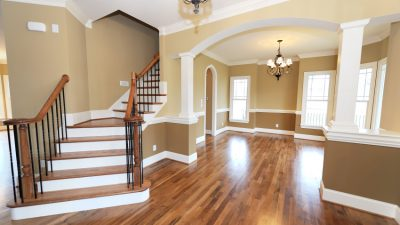 Hỏi sàn gỗ tự nhiên là gì? đặc điểm sàn gỗ tự nhiên là gì?