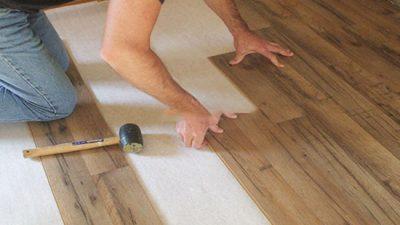 Hỏi báo giá sửa chữa sàn gỗ chống xước?