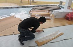 Hỏi dịch vụ sửa chữa sàn gỗ công nghiệp cao cấp?