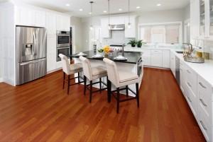 Mẫu sàn gỗ chung cư màu cánh gián