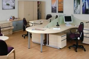Mẫu sàn gỗ văn phòng màu vàng xoan đào