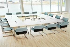Mẫu sàn gỗ lớp học màu trắng